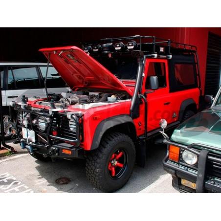 Land Rover Defender 200...