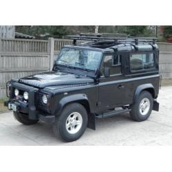 Land Rover Defender 90...