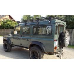 Land Rover Defender 110...