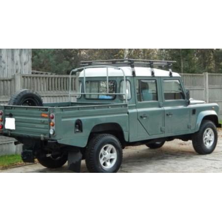 Land Rover Defender 130...